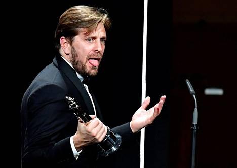 Ruotsalainen elokuvaohjaaja Ruben Östlund piti puheen saatuaan parhaan ohjaajan palkinnon European Film Awards -elokuvagaalassa Berliinissä lauantaina. Hänen elokuvansa The Square sai parhaan elokuvan palkinnon ja pinon muita palkintoja.