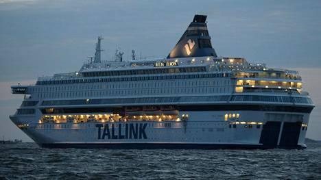 Tallink Siljan alus Silja Europa liikennöi Tallinnaan maaliskuussa.