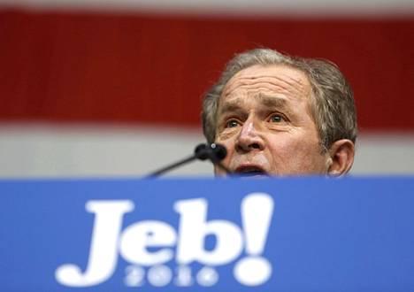 Yhdysvaltain entinen presidentti George W. Bush puhui pikkuveljensä Jebin vaalitilaisuudessa Etelä-Carolinassa maanantaina.