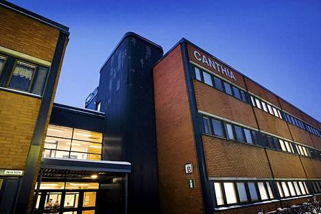 Itä-Suomen yliopiston Kuopion kampuksella oli perjantaina pommiuhka. Pommia tai mitään siihen viittaavaa ei kuitenkaan löytynyt.