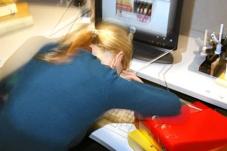 Kaksisuuntainen mielialahäiriö jää helposti tunnistamatta, koska työelämä kannustaa ylivireyteen.