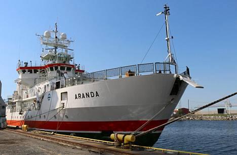 Merentutkimusalus Aranda RMC-telakalla Raumalla toukokuun puolivälissä. Perusteellisesti remointoitu laiva luovutetaan ympäristöhallinnolle näillä näkymin 8. kesäkuuta.