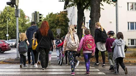 Koululaiset aloittavat jälleen pian uuden lukukautensa.
