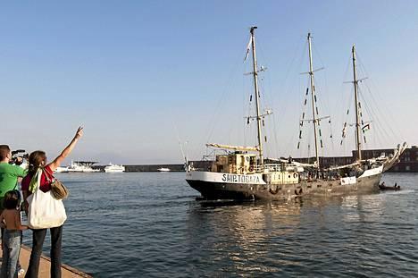 Estelle lähti tiistaina Napolin satamasta kohti Gazaa.