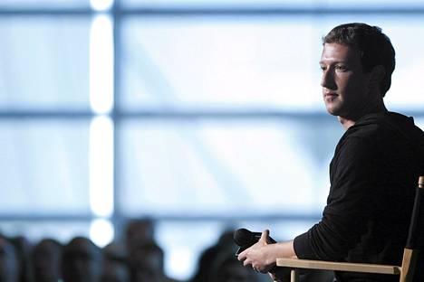 Facebookin toimitusjohtaja Mark Zuckerberg haastateltavana Atlantic Magazinen lavalla Washingtonissa syyskuun puolivälissä.