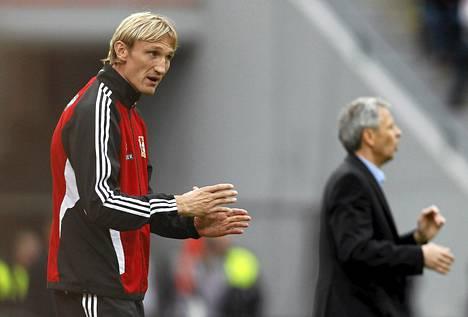 Sami Hyypiän valmentama Leverkusen menestyy.