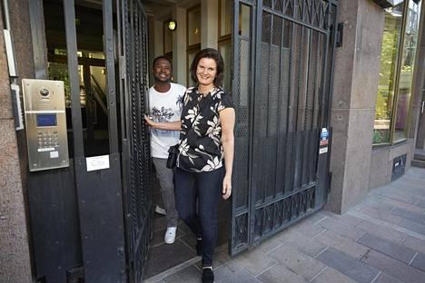 Ousman Baldeh ja Leena Ikonen-Baldeh perustivat yrityksen asuntojen vuokrausta varten vuonna 2015.