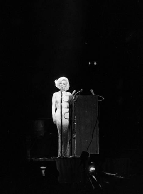 Marilyn Monroe lauloi syntymäpäiväonnittelut presidentti John Kennedylle New Yorkissa vuonna 1962.
