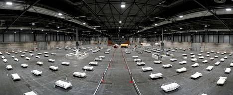 Espanja rakensi lauantaina 5000 potilaan väliaikaisen sairaalan Madridin Ifema-messuhalliin.
