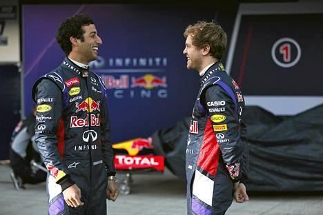 Daniel Ricciardo ja Sebastian Vettel ovat kärsineet teknisistä ongelmista Jerezin testeissä.