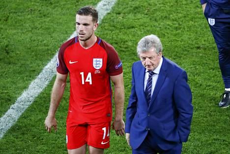 Jordan Henderson ja Englannin päävalmentaja Roy Hodgson kohtaavat seuraavalla seuraavalla kierroksella Islannin.