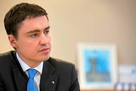 Viron tulevan pääministerin Taavi Rõivasin, 34, ikää on päivitelty viime viikosta asti, jolloin hän yllättäen nousi hallituksen muodostajaksi.