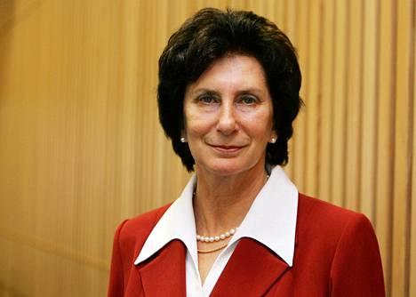 Irena Szewinska valittiin kansainvälisen yleisurheiluliiton IAAF:n hallitukseen kolmantena naisjäsenenä Helsingissä 2005.