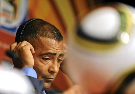 Romario vaatii nuorennusleikkausta Brasilian jalkapalloliitossa.