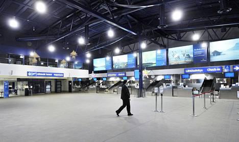 Valtion lentokenttäyhtiö Finavian entisiä johtajia epäillään luottamusaseman väärinkäytöstä.