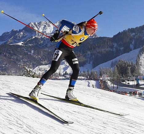 Kaisa Mäkäräinen jatkoi vakuuttavia esityksiään ja voitti pikakilpailun Itävallassa.