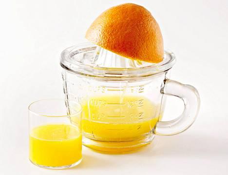 Lasillinen appelsiinimehua on hyvä rautapitoisen kasvisaterian kumppani.