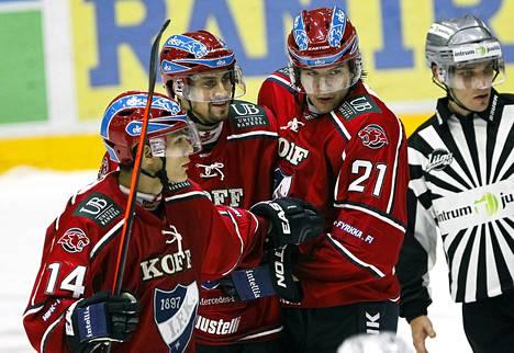 Helsingin IFK on SM-liigan yleisömagneetti sen jälkeen kun Jokerit siirtyi KHL-liigaan. Näin maalia juhlivat IFK:n Matti Lamberg, Daniel Grillfors ja Mika Partanen.