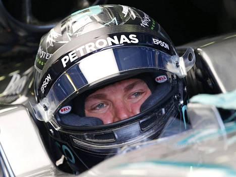Nico Rosbergin paaluaikaa tutkitaan tuomaristossa.