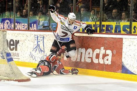Jonne Virtasella on ensi kaudeksi kaksi joukkuetta.