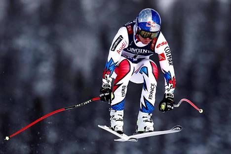 Alexis Pinturault oli syöksyn jälkeen vasta 24:s, mutta nousi voittoon pujottelussa alppiyhdistetyn MM-kisassa Åressa.