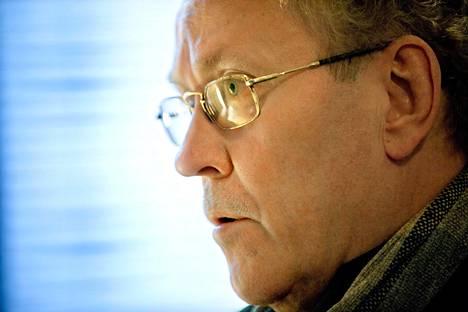 Radioateljeen pitkäaikainen tuottaja Harri Huhtamäki jää eläkkeelle ensi vuodenvaihteessa.