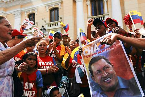 Hugo Chávezin kannattajat juhlivat Carcasissa presidentin paluuta Venezuelaan.