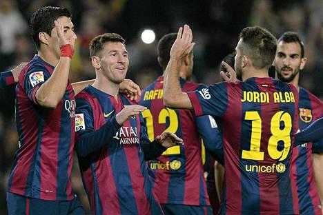 Jalkapallomaailman jättiläisiin kuuluva Barcelona ei saa tehdä pelaajakauppoja vuonna 2015.