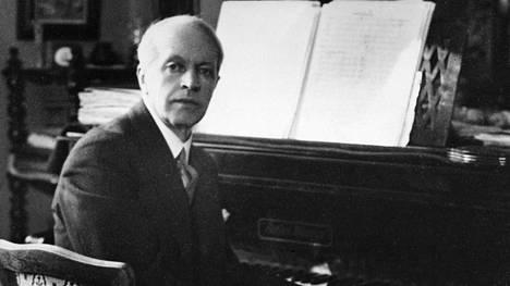 """Aino (1909) on Erkki Melartinin ainoa ooppera. Säveltäjä kutsui sitä """"kalevalaiseksi mysteeriksi""""."""