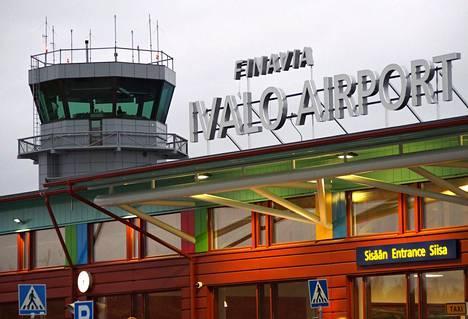 Ivalon kentällä oli viime vuonna yli 240 000 matkustajaa.