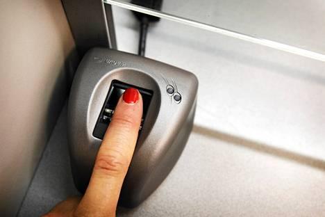 Suomi ja Baltian maat haluavat EU:lle biometrisen rajanylitystietojärjestelmän.