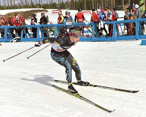 Kerttu Niskanen on loppukauden paras suomalaishiihtäjä. Eilen Niskanen voitti Marjaana Pitkäsen kanssa sprinttiviestin Suomen mestaruuden Kontiolahdella.