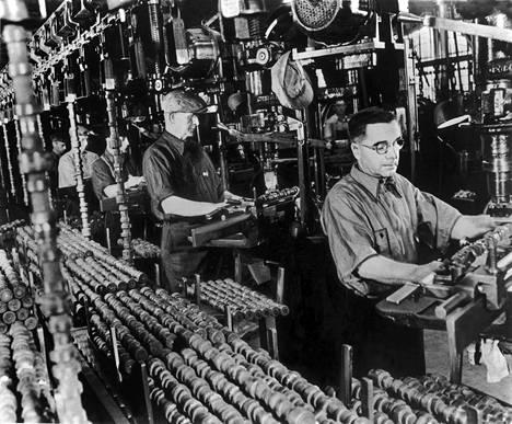 General Motorsin tehdastyöläisiä Yhdysvalloissa noin 935-1940.