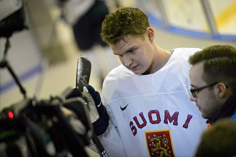Aleksander Barkov johtaa Leijonien hyökkäystä olympialaisissa.