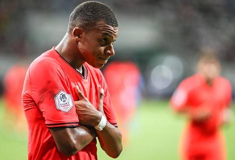 Kylian Mbappé on vaatimaton pelaaja, jonka nousu tähtiin on ollut rakettimainen.