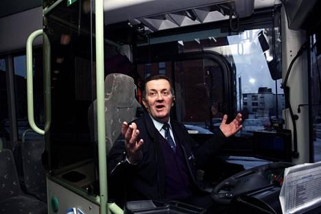Anatoly Fedotov haluaa kiittää jokaista bussistaan poistuvaa matkustajaa. Vuosien varrella kiitoksia on kertynyt vähintään 100000.