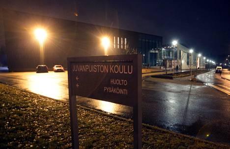 Oppilas pahoinpiteli rehtorin Juvanpuiston koulussa Espoon Niipperissä tammikuussa 2018.