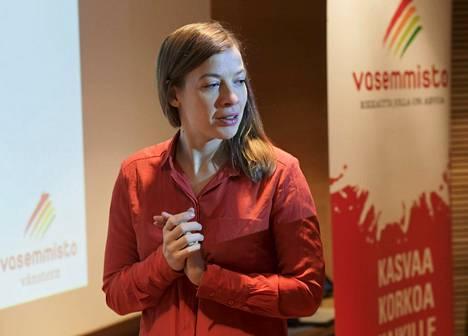 Li Andersson esitteli tiistaina vasemmistoliiton jäseniltä kerättyjä ideoita kuntien toiminnan parantamiseksi.