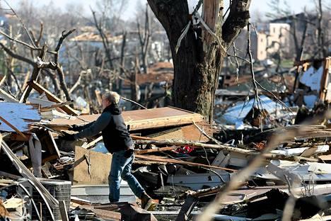 Trombin jälkiä siivottiin marraskuussa pienessä Washingtonin kaupungissa, Illinoisin osavaltiossa.