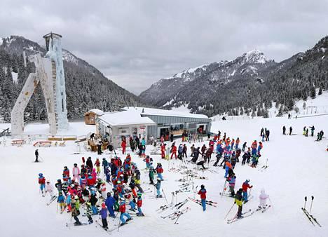 Tungosta riitti vielä sesongin lopullakin Malbunin hiihtokeskuksessa Liechtensteinissa.