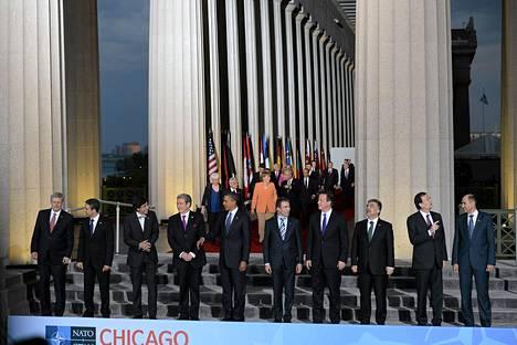 Valtioiden ja hallitusten johtajat kokoontuivat yhteiskuvaan Nato-kokouksessa Chigagossa.