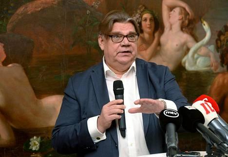Entinen perussuomalaisten puheenjohtaja Timo Soini kertoi Populismi-kirjastaan tiedotustilaisuudessa Vanhalla ylioppilastalolla Helsingissä maanantaina.