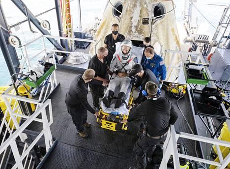 Meno-paluu avaruuteen. Astronautit Doug Harley (kuvassa) ja Bob Behnken palasivat yksityisen SpaceX-yhtiön lennolta Maahan 2. elokuuta. Lennon vuokrasi Nasa.
