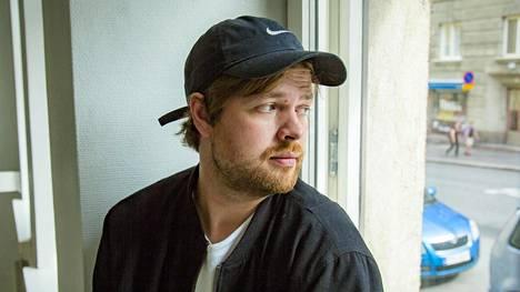Kirjailija Johannes Ekholm on Työstäkieltäytyjäliiton keulakuva.