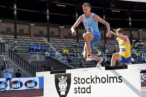 Topi Raitanen Ruotsi-Suomi-maaottelun 3000 metrin esteissä 25. elokuuta.