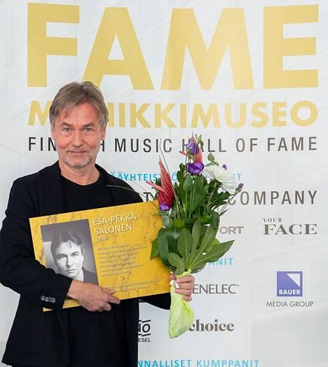 Kapellimestari Esa-Pekka Salonen on uusin jäsen Suomen musiikin kunniagalleriassa.