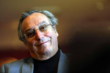Mittavan kansainvälisen uran tehnyt pianisti Ralf Gothòni täyttää toukokuussa 70 vuotta.