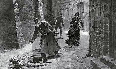 Aikalaispiirros sanomalehdessä Jack the Ripperin uhrista.