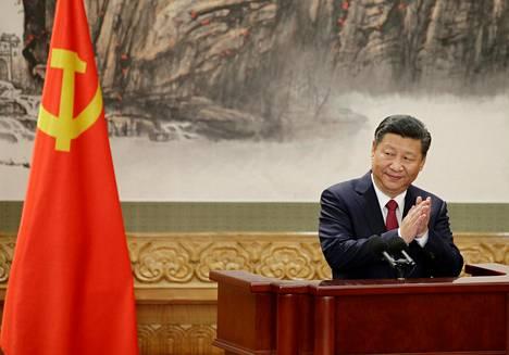 Kiinan presidentti Xi Jinping puhui lehdistölle keskiviikkona Pekingissä.