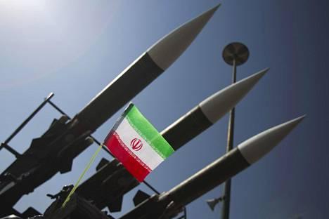 Venäläisvalmisteisiä Sam-6-ohjuksia oli esillä Iranin armeijan kalustonäyttelyssä Teheranissa vuonna 2010.